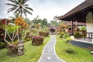 Сад в Villa Taman di Blayu