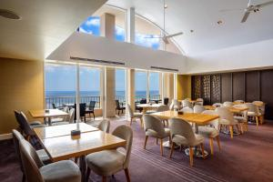 A restaurant or other place to eat at Hyatt Regency Guam