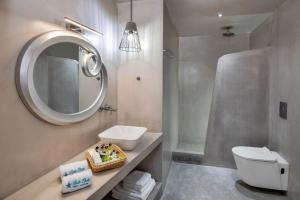 A bathroom at Belle Etoile Villas