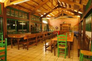 A restaurant or other place to eat at Hostel Albergue Cangas de Onis La Posada