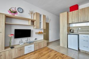 A kitchen or kitchenette at Apartments in Cabana Beach Complex