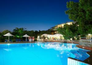 Aroma Creta tesisinde veya buraya yakın yüzme havuzu