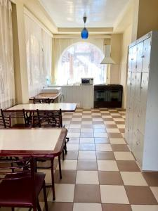 A restaurant or other place to eat at Guest House Vodoley