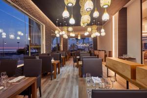 Un restaurante o sitio para comer en Marconfort Costa del Sol