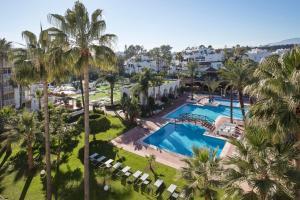 Utsikt över poolen vid Melia Marbella Banús eller i närheten
