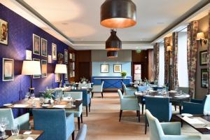 Um restaurante ou outro lugar para comer em The Artist Porto Hotel & Bistrô - S.Hotels Collection