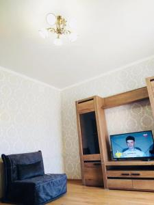 A television and/or entertainment centre at Apartment on Vitebskaya