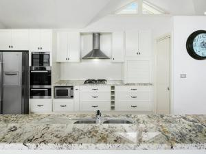 A kitchen or kitchenette at Oceanview