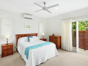 A bed or beds in a room at Oceanview