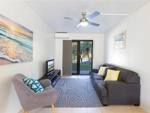 A seating area at Ocean Sands 3 - Sawtell, NSW