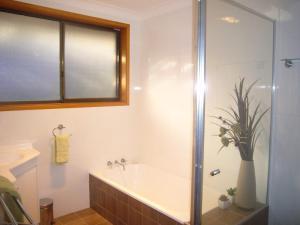 A bathroom at Sunnyside - Sawtell, NSW