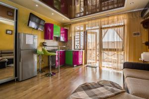 A kitchen or kitchenette at Guest House Golitsyna 14