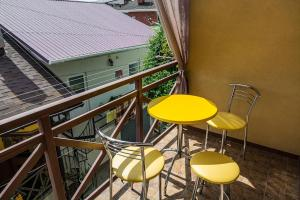 A balcony or terrace at Guest House Golitsyna 14