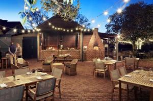 A restaurant or other place to eat at Spicers Hidden Vale