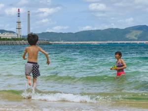 ハイドアウト 沖縄 うるまに滞在中の子供
