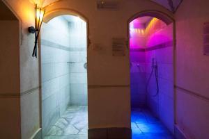 Ванная комната в Hotel Cendevaves