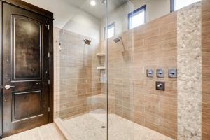A bathroom at Villa at the Reserve at Lake Travis
