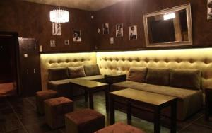 Hol lub bar w obiekcie Rynek 6 retro pub & hostel