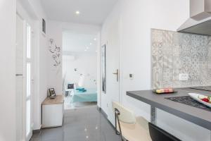 A kitchen or kitchenette at Apartment Mirella