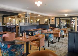 A restaurant or other place to eat at Clonakilty Park Hotel