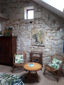 A seating area at Beaulieu La Source