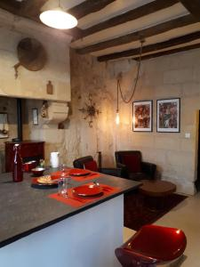 A kitchen or kitchenette at Beaulieu La Source