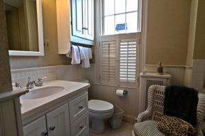 A bathroom at 3221 Northwest Townhome #1038 Townhouse