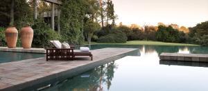 المسبح في سكسون هوتل، فيلاز آند سبا أو بالجوار