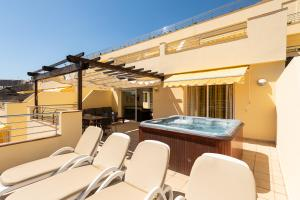 The swimming pool at or near Holiday Club Sol Amadores