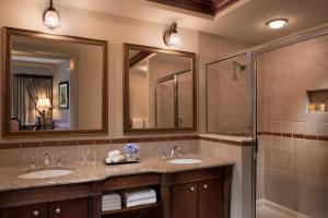 A bathroom at Hammock Beach Golf Resort & Spa