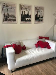 Letto o letti in una camera di Appartamenti I Giardini Di Villa Melzi