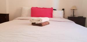 A bed or beds in a room at Dar Baddi
