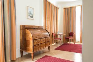 Ein Sitzbereich in der Unterkunft Gästehaus im Priesterseminar Salzburg