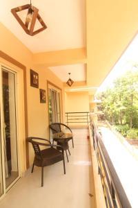 A balcony or terrace at Alazne & Meraki : Assagao