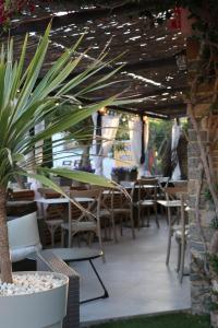 Restaurant ou autre lieu de restauration dans l'établissement Auberge Du Cap Nègre