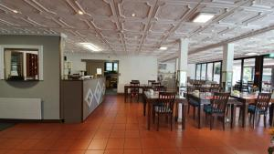 A restaurant or other place to eat at Hotel Garni Tiziana