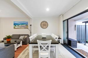 A seating area at Lotus Retreat - Maroochydore