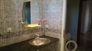 Um banheiro em villa mardakan elite