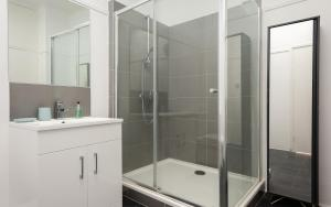 A bathroom at The West End Penthouse - 4BDR with Views