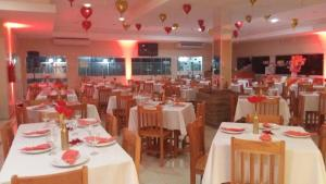 A restaurant or other place to eat at Venezza Park Hotel