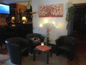 The lobby or reception area at Hotel Am Ufer