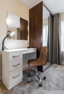 A bathroom at Fortified Luxury Apartment