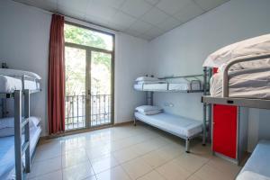 Un ou plusieurs lits superposés dans un hébergement de l'établissement Safestay Passeig de Gràcia