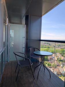 A balcony or terrace at Hemel Hempstead Apartments