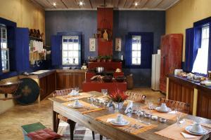 Um restaurante ou outro lugar para comer em Hotel Fazenda Santa Marina