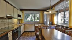 A kitchen or kitchenette at Ferienwohnung Kristille