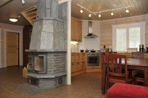 Majoituspaikan Ylijarvi cottages keittiö tai keittotila
