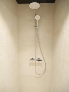Salle de bains dans l'établissement Le Chat Qui Dort - Bords de Deule