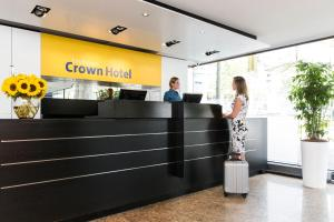 The lobby or reception area at Crown Hotel Eindhoven Centre