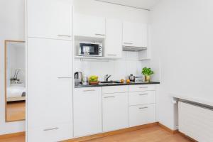 Küche/Küchenzeile in der Unterkunft Swiss Star Zurich Sihlfeld - contactless self check-in